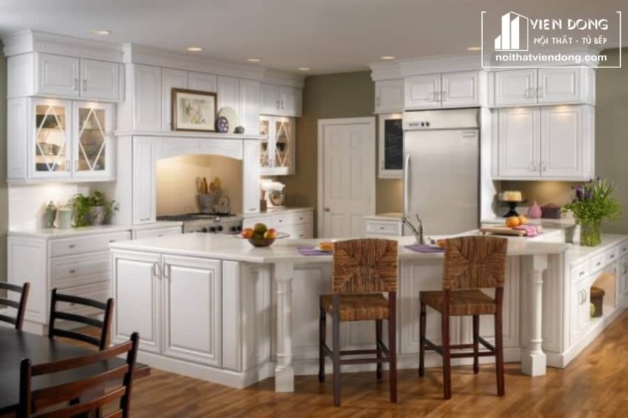 Tủ bếp gỗ sồi sơn trắng hiện đại TBS144