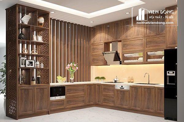 Mẫu tủ bếp gỗ óc chó chữ L kết hợp tủ rượu