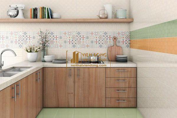Hình 2: Gạch ốp bếp đơn giản