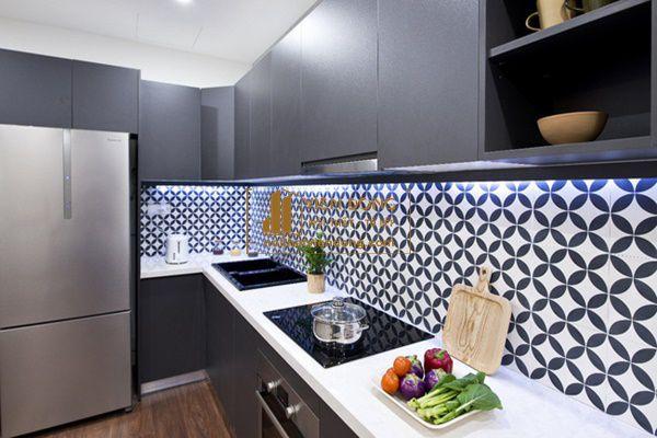 Hình 2: Chất lượng gạch ốp bếp