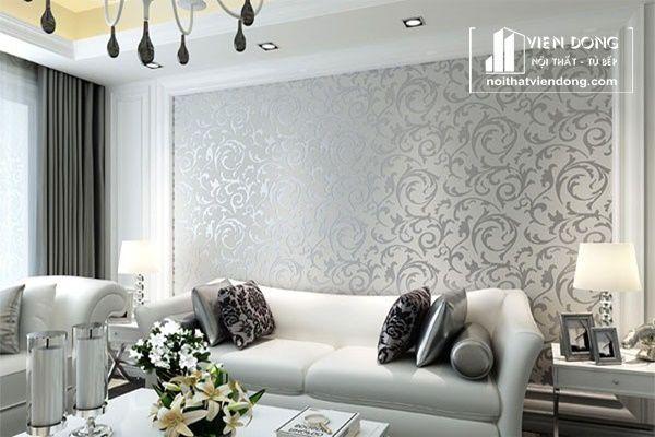 phòng khách được trang trí giấy dán tường
